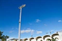 Fläckljusstolparna i stadion. Royaltyfri Fotografi