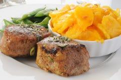 fläskkarré för potatisar för augratängpork royaltyfria foton