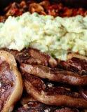 Fläskkotletter och mosade potatisar Royaltyfri Fotografi