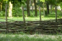 Flätat kosackbystaket Ryskt staket arkivfoto