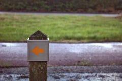 Flèche au trottoir photos stock