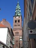 Flèche d'église d'en cuivre de Nickolaj Kirke Images libres de droits