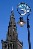 Flèche de cathédrale de Glasgow et couche de ville des bras Photographie stock libre de droits