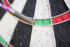 Flèche de dard dans la double zone Image stock
