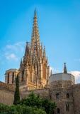 Flèche de la cathédrale de la croix et du saint saints Eulalia dans Barcel Photographie stock libre de droits