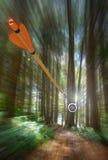 Flèche expédiant à la cible de tir à l'arc avec la tache floue de mouvement, photo de partie, rendu de la partie 3D Images stock