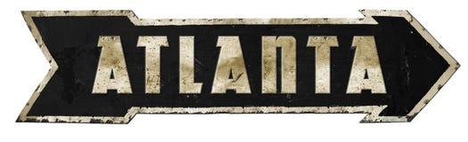 Flèche la Géorgie antique rustique de vintage de panneau routier d'Atlanta images stock