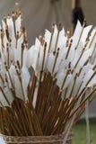 Flèches dans le panier Photo stock