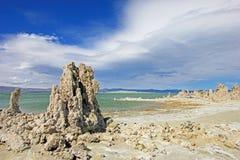 Flèches de tuf sur le rivage du lac mono, Etats-Unis Images stock
