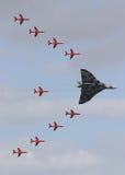 Flèches et bombardier rouges de Vulcan Photo libre de droits