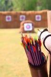 Flèches et tir à l'arc de cible Photographie stock