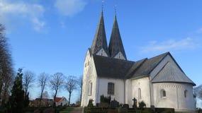 Flèches jumelles sur l'église de Broager Photographie stock