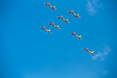 Flèches tricolores de Frecce Tricolori à Pise Airshow, CASSEROLE acrobatique nationale italienne Photo stock