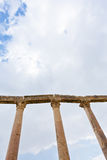 Fléau de Corinthium dans la ville antique Jerash Photos stock