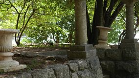 Fléaux du grec ancien Parc de Milocer de territoire, près de Sveti Stefan clips vidéos