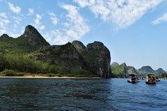 Flößen hinunter Li River in Guilin China lizenzfreies stockbild