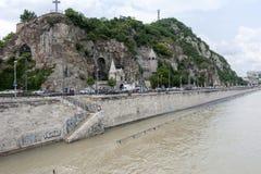 Flödad över Donau på Budapest arkivbild