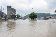 Flödad över Donau på Budapest arkivbilder