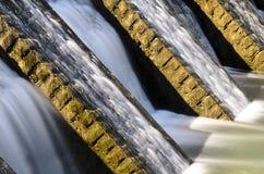 Flödadetalj för vatten Arkivbild