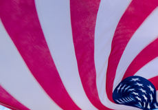 Flödande amerikanska flaggan Royaltyfri Fotografi