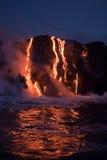 Flödande lava Royaltyfria Bilder