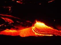 flödande lava ii arkivfoton