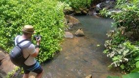 Flödande liten vik i staten av hawaii Arkivfoton