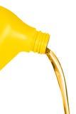 flödande olja för behållare Royaltyfri Bild