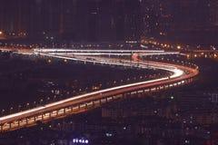 Flödande trafikbelysning kunming royaltyfri foto