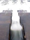 Flödande vatten 2 Arkivfoto