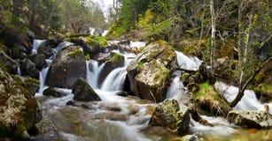Flöde av det Claror Perafita flodtillfångatagandet med lång exponering Royaltyfri Fotografi