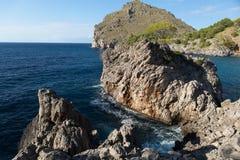 Flöde de Pareis - fjärd för Sa Calobra i Majorca Arkivfoto