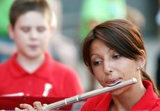 Flöjtist med det klassiska musikinstrumentet Royaltyfri Fotografi