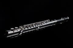 Flöte auf schwarzem Hintergrund Stockfotos