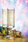 Flöten des Champagners in der Feiertagseinstellung Stockbild