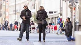 Flüchtling, der um Hilfe bittet Lizenzfreie Stockfotografie