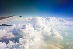 Flügel des Flugzeuges lizenzfreie stockfotografie