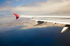 Flügel des Flugzeuges Stockfotografie