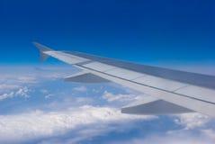 Flügel eines Flugzeuges Stockbild