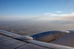 Flügel eines Flugzeuges stockfoto