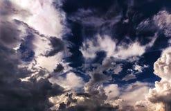 Flügel von Wolken Stockfotos