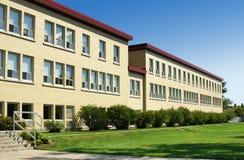 Flügelperspektiveschuß der alten Schule. Stockfotos