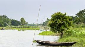 Flüsse und Boote lizenzfreie stockfotografie