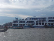 Flüsse und Schiffe Stockfoto