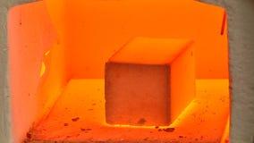 Flüssige materielle Probe in einem Laborofen stock video