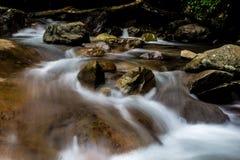 Flüssige Ströme, lange Belichtung Lizenzfreie Stockfotos
