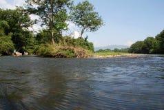 Flüssiger Fluss Stockfotos