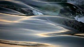 Flüssiges Wasser und Welle stock footage