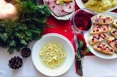 Traditionelles Italienisches Weihnachtsessen.Traditionelle Suppe Gedient Am Weihnachtsessen Stockfoto Bild Von