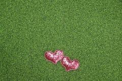 Flach-Lagehintergrund für Valentinstag, Liebe, Herzen, Geschenkbox Kopienraum lizenzfreie stockbilder